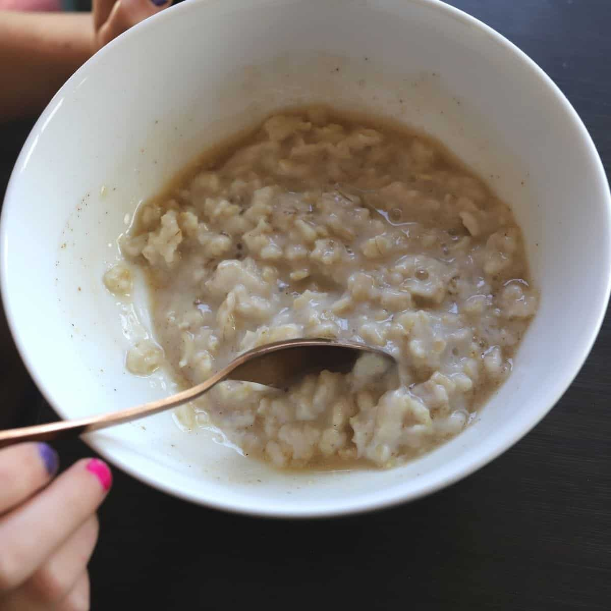 stovetop oatmeal with quaker oats in a bowl