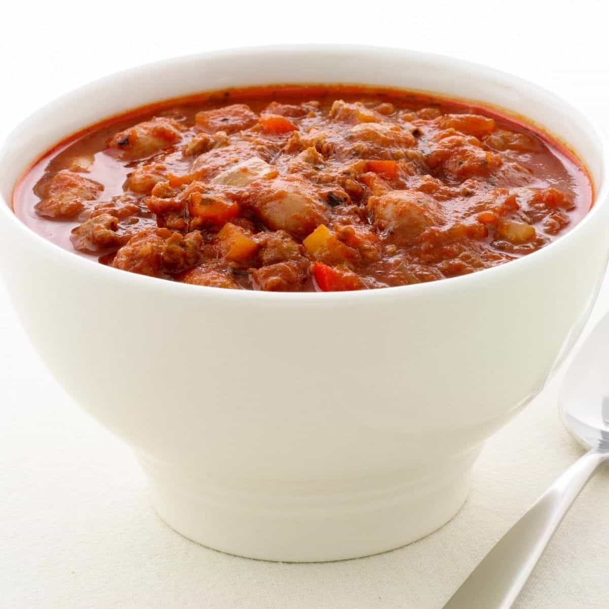 keto friendly chili in a bowl
